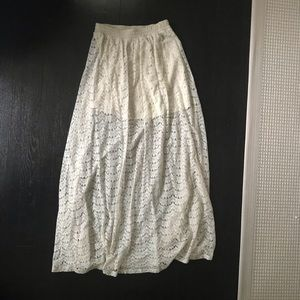 Forever21 lace maxi skirt size small